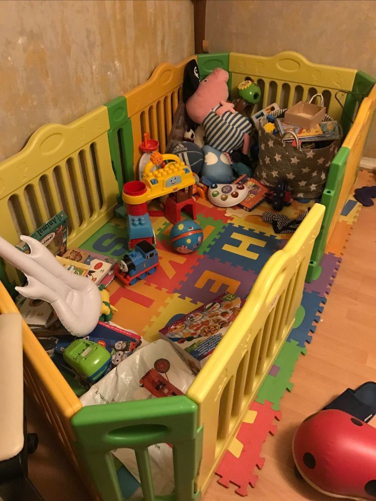 Baby vivo Playpen and mat in london