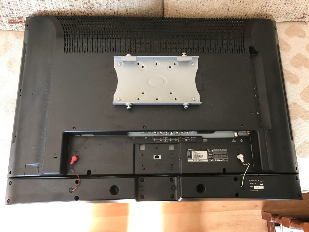 "Hyundai 32"" e320D lcd hd tv and monitor in london"