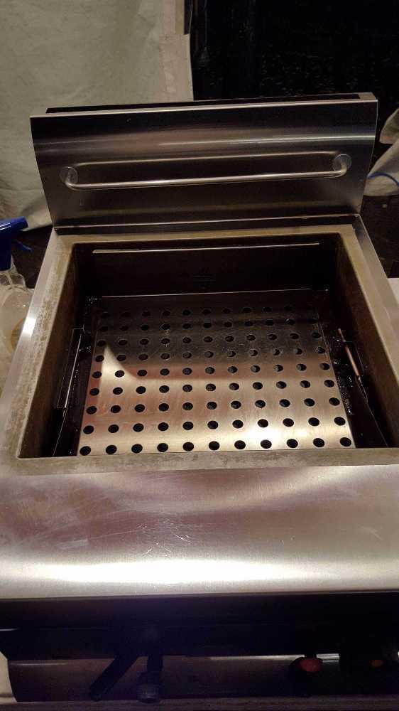 Lincat Counter top gas fryer in london
