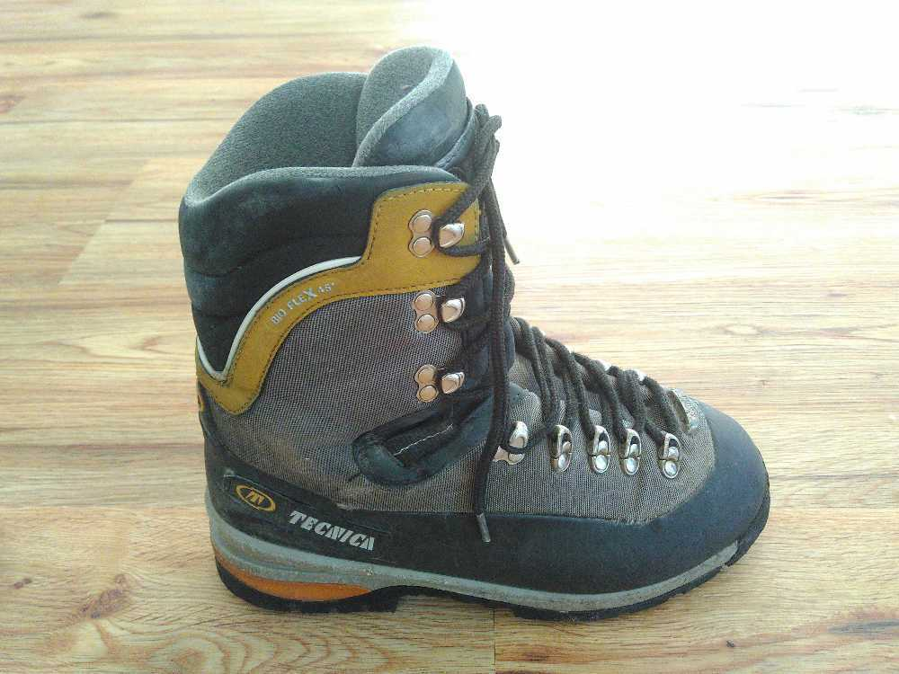 Mountaineering boots in london