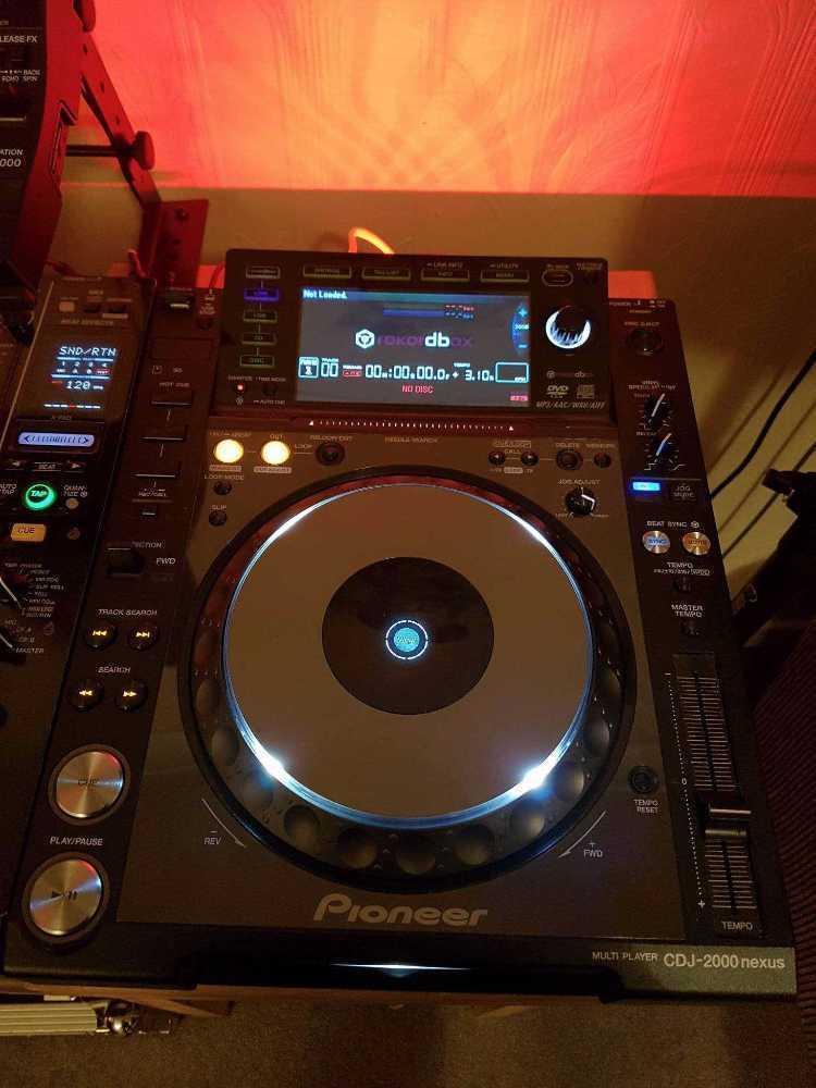 Pioneer CDJ 2000 Nexus (Pair) in london
