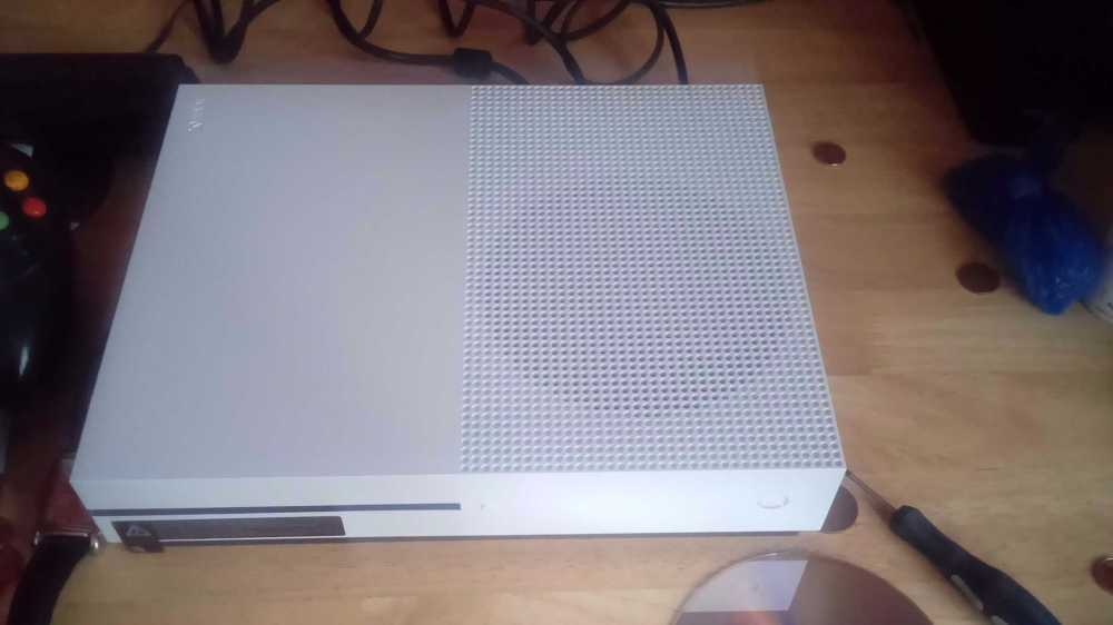 Xbox one s 500 g in london