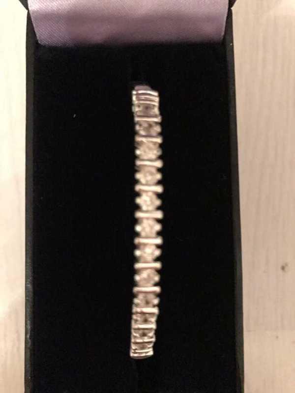 silver-crystal-circle-bangle-36694549.jpg