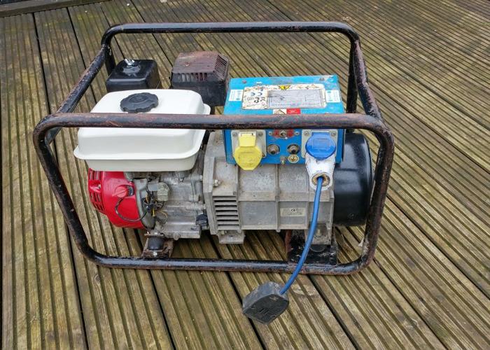 240 -110-honda-petrol-generator-35396796.jpg