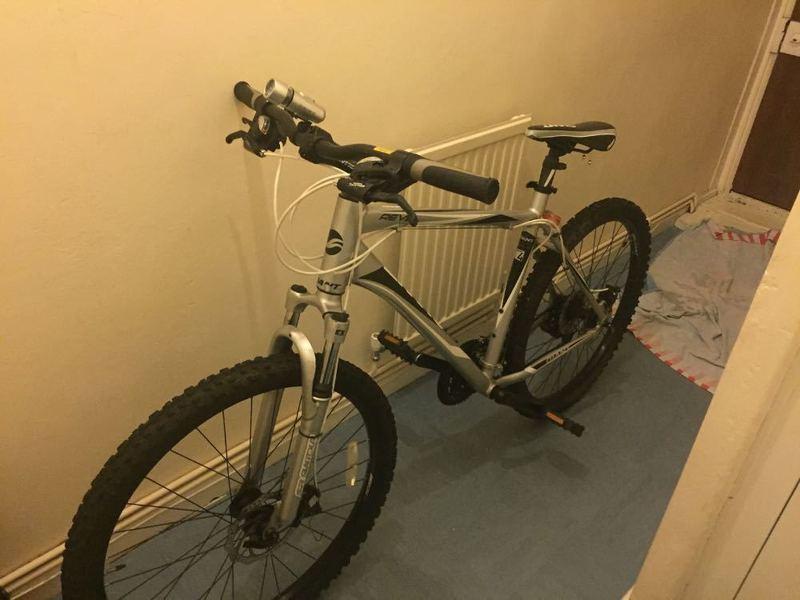 a giant-bike-13413608.jpg