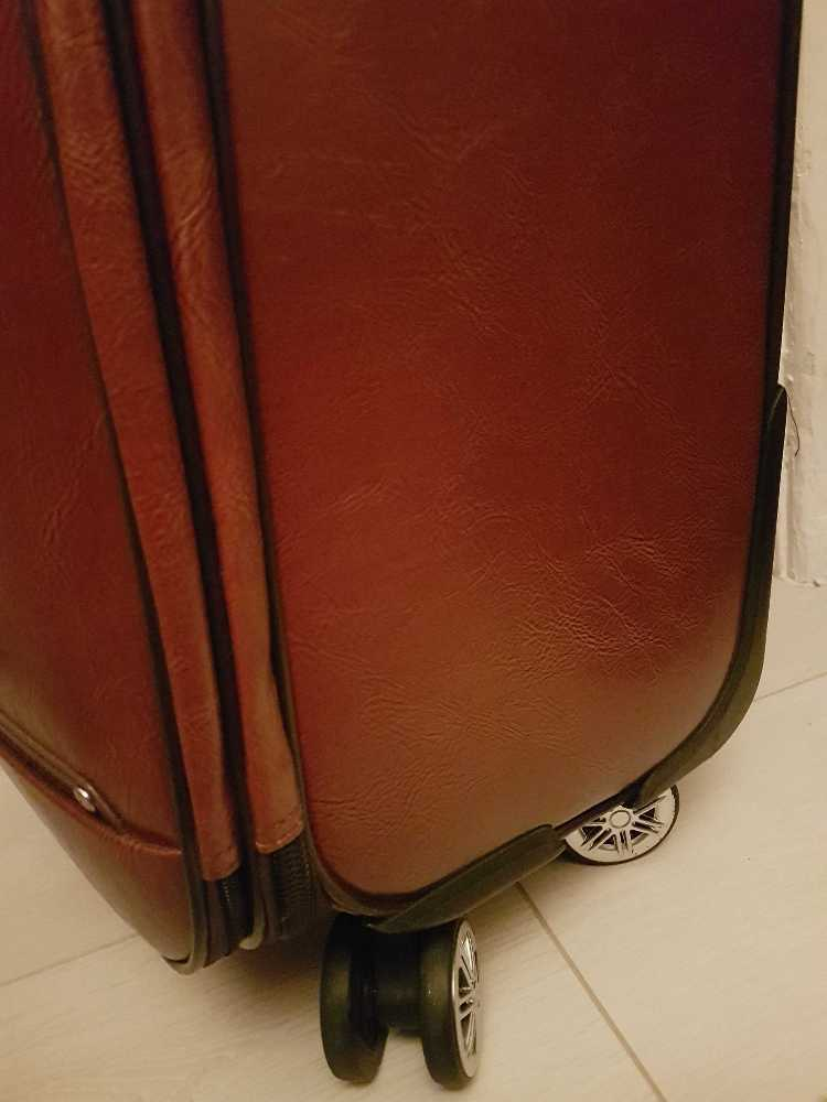 beautiful leather-luggage-reddish-brown-50270086.jpg