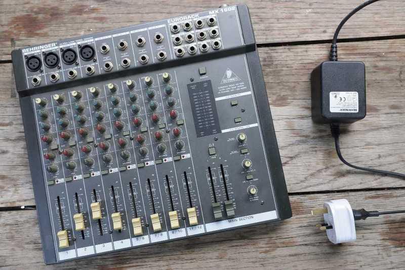 behringer eurorack-mx1602-audio-mixer-39766251.jpg