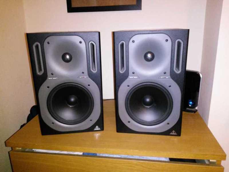 behringer speakers-69407234.jpg