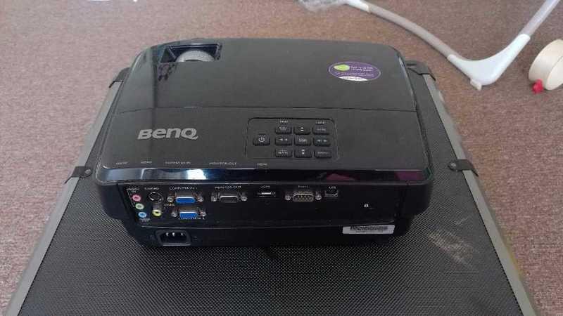 benq mw519-3d-ready-dlp-projector--720p-96994809.jpg