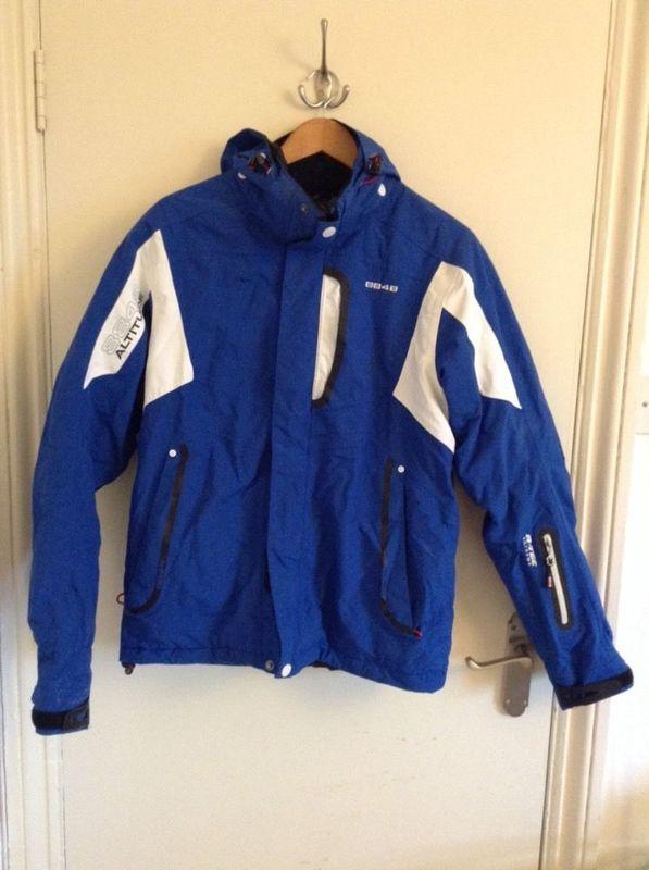 blue ski-jacket--56564847.jpg