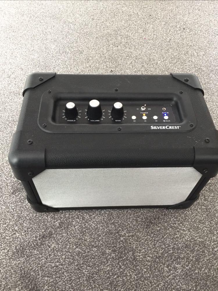 bluetooth speaker-aux--48397358.jpg
