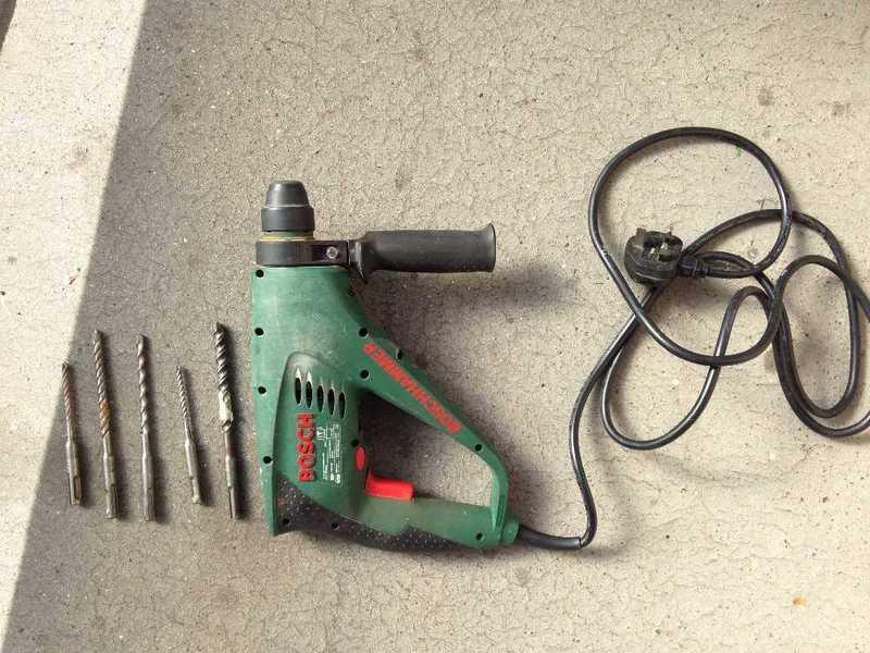 bosch hammer-drill-15288614.jpg