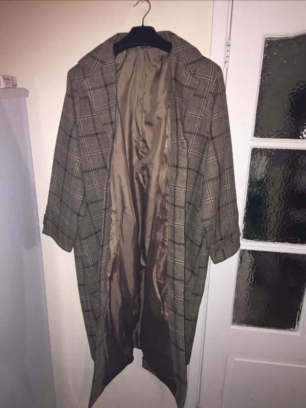 brand new-womans-coat--06947004.jpg