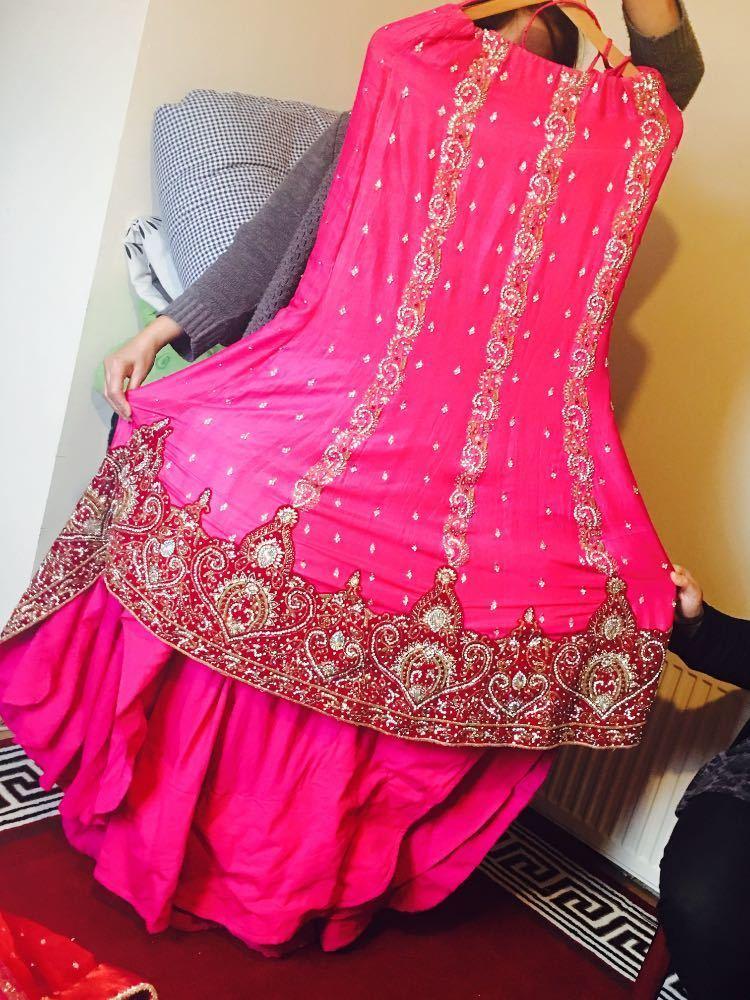 bridal wear-49228780.jpg