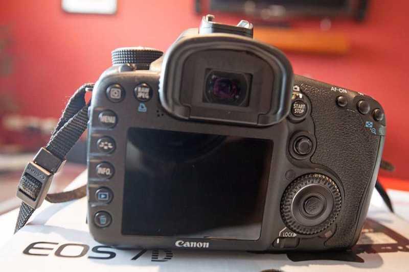camera -canon-7d-64061615.jpg