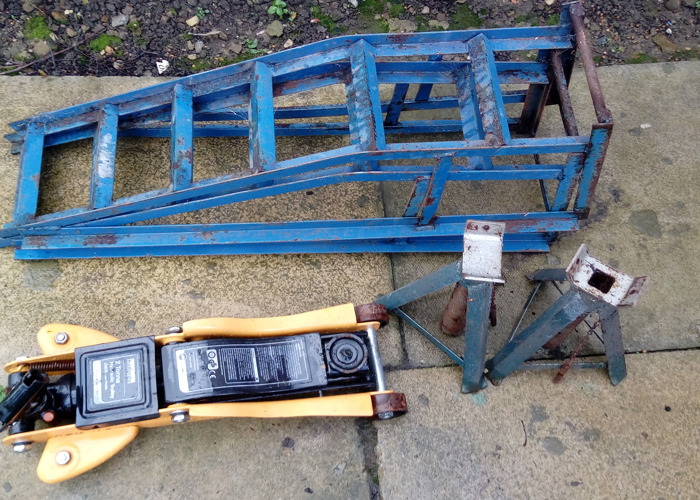 car maintenance-tools-56499941.jpg