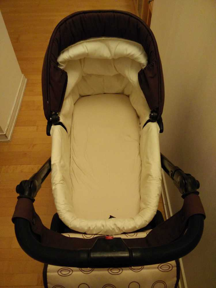 carrycot and-pushchair-bebecar-ipop-78328885.jpg