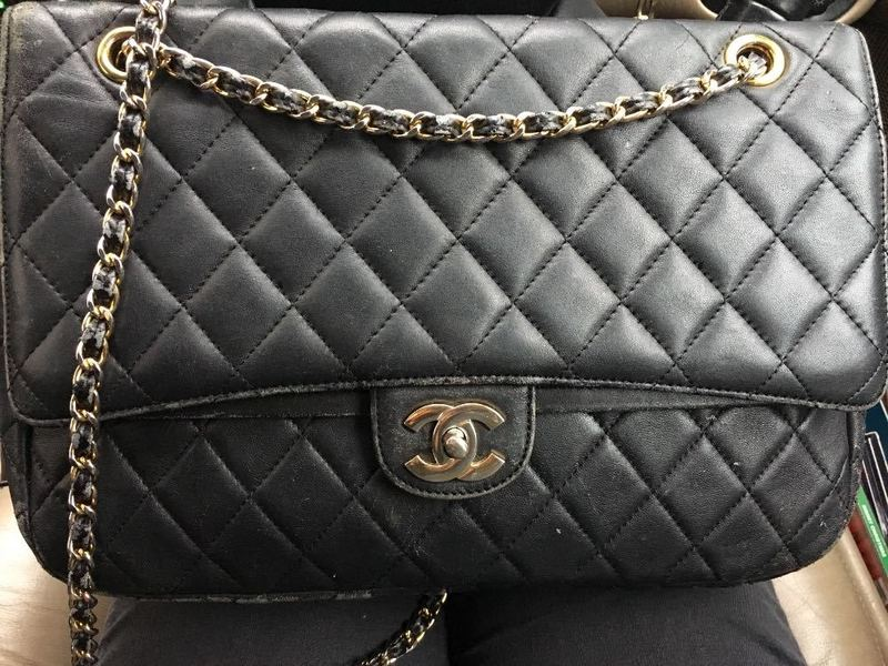 chanel vintage-flap-bag-80647619.jpg