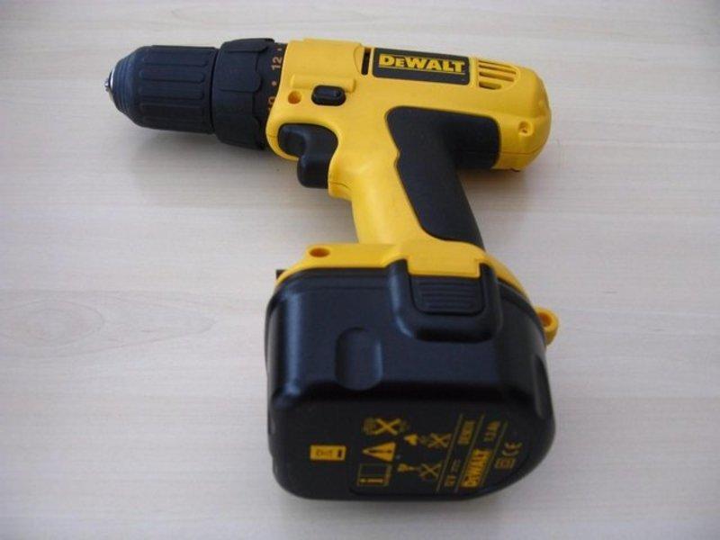 cordless drill-01887759.jpg