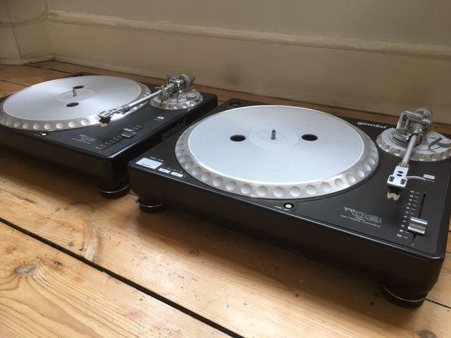 dj gemini-decks-turntables-84650798.jpg