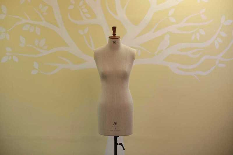 dressmakers dummy--female-mannequin-14391319.jpg