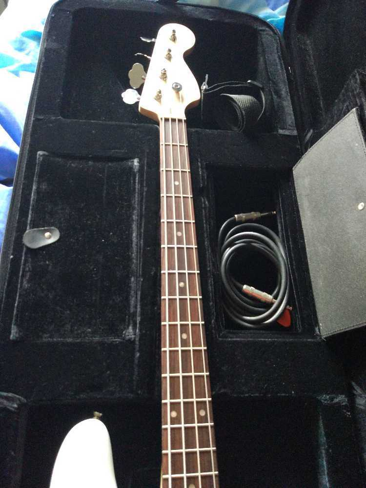 fender squier-precision-bass--46072511.jpg