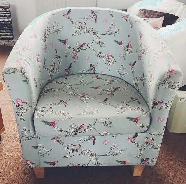 floral teal--blue-tub-chair--01270941.jpg