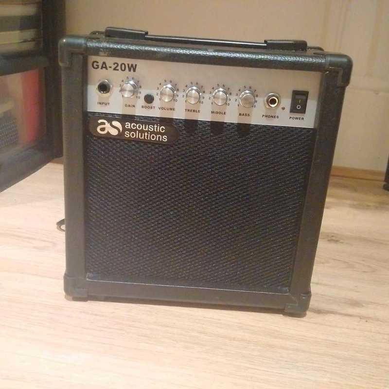 guitar amplifier-25759860.jpg