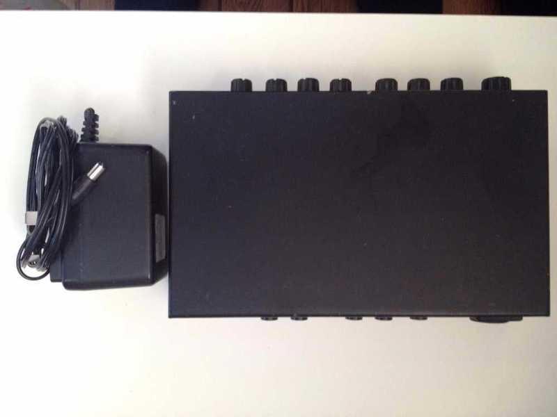 joe meek-vc3q-microphone-preamp-and-compressor-96003465.jpg