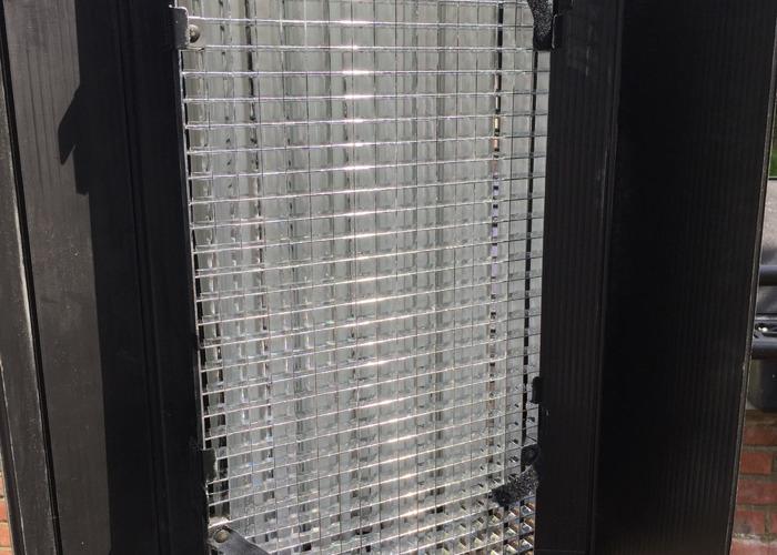kino flo-diva-lite-400-lights-x-2-with-cases--24987538.JPG