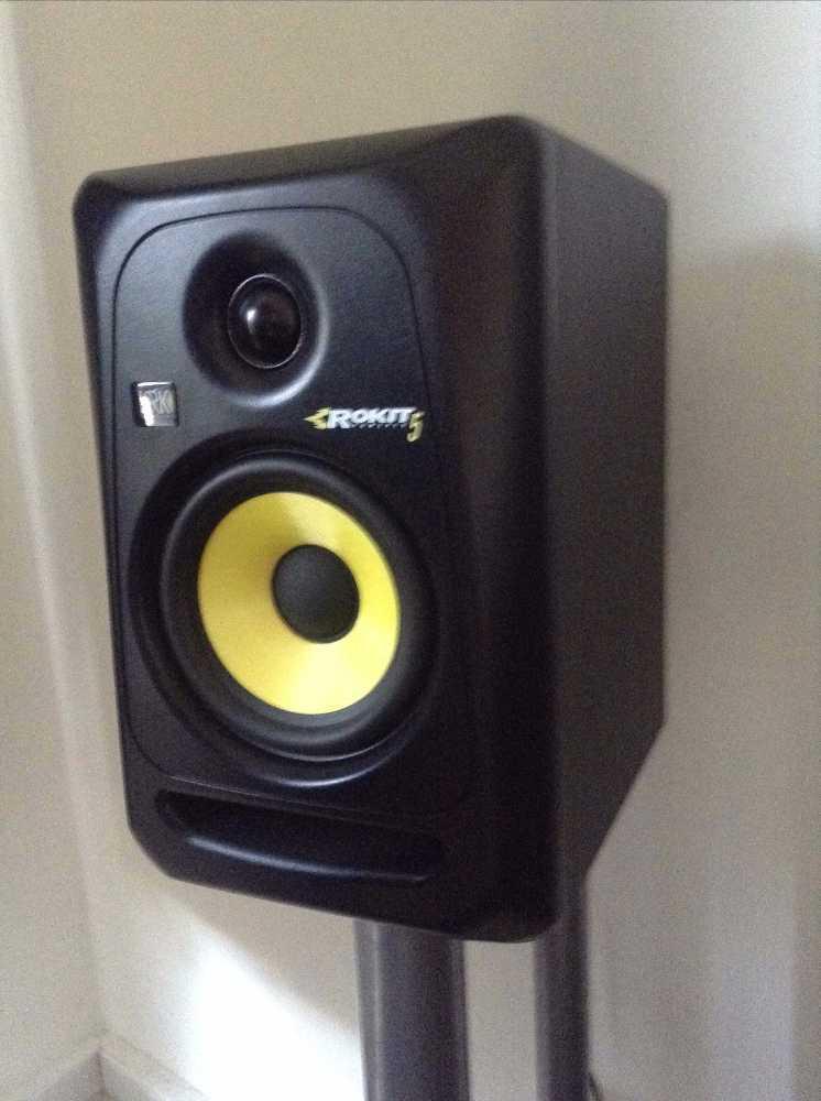 krk studio-monitor-speakers-x-2-74498198.jpg