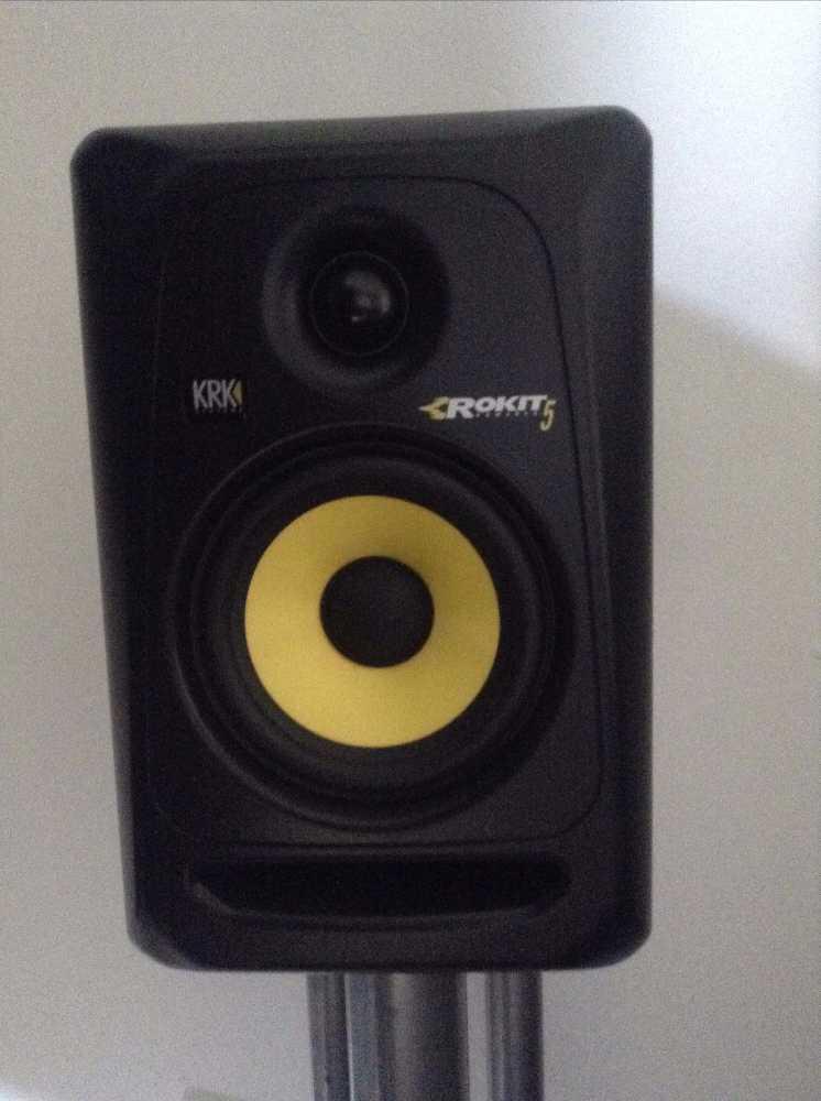 krk studio-monitor-speakers-x-2-96632559.jpg