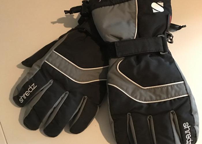 ladies ski-gear-39291802.JPG