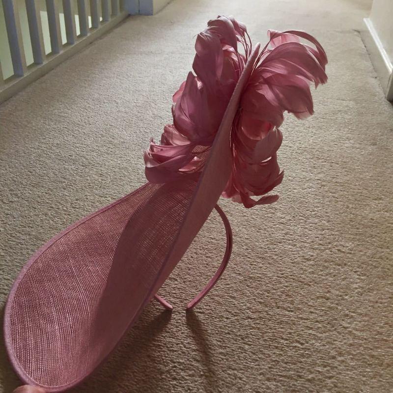 large pink-hat--43651502.jpg
