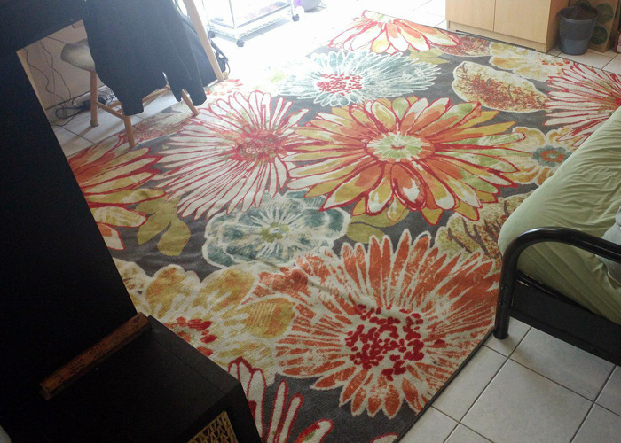 large rug-with-bright-flowers-00126371.jpg