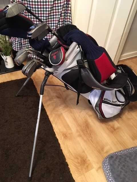 left handed-golf-clubs-set-70942055.jpg