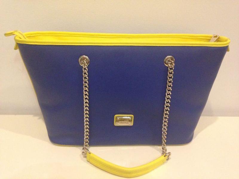 love moschino-handbag--42348388.jpg