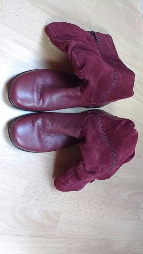 maroon red-leather-boots--01212647.jpg