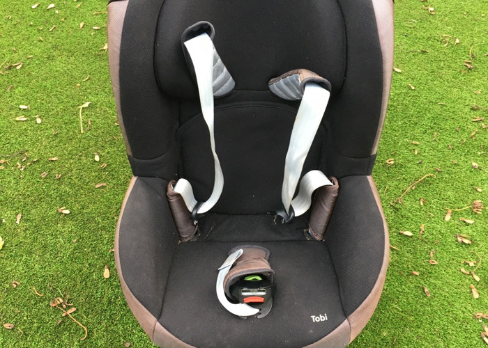 maxi cosi-group-a-car-seat-sutiable-from-birth-to-4yrs--06185791.JPG
