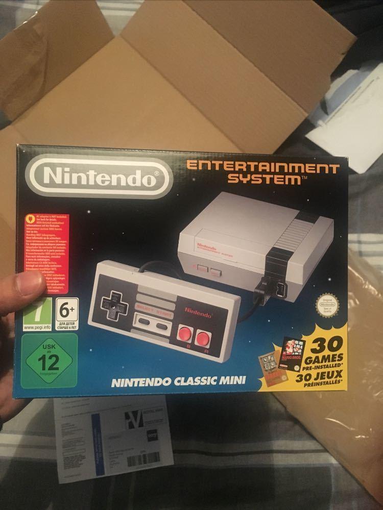nes classic-mini-nintendo-console--59152738.jpg