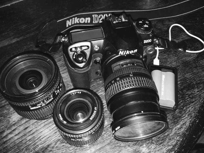 nikon d200-camera-3-lenses-camera-battery-usb-charger-18570044.jpg