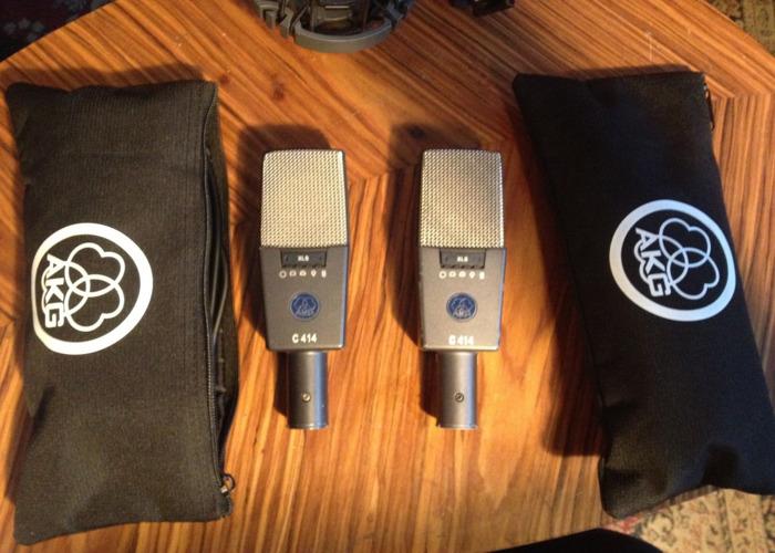 pair of-akg-c214-studio-condenser-microphones-75146365.JPG