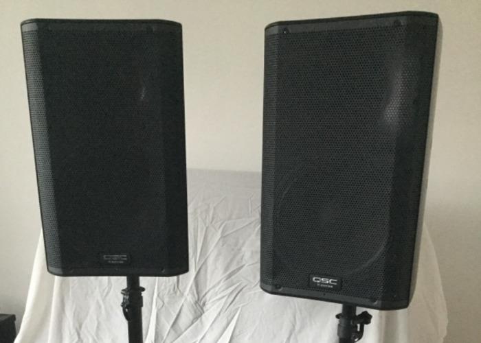 pair of-kseries-qsc-active-speaker-and-qu32-allenheath--mix-30746359.jpeg
