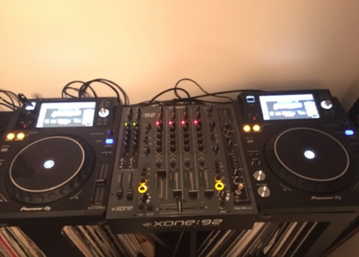 pioneer xdj1000s-and-allen--heath-xone-92-mixer--24256121.jpg