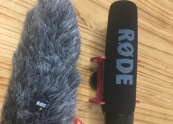 rde video-mic--rde-deadcat-wind-cover-56613189.jpeg