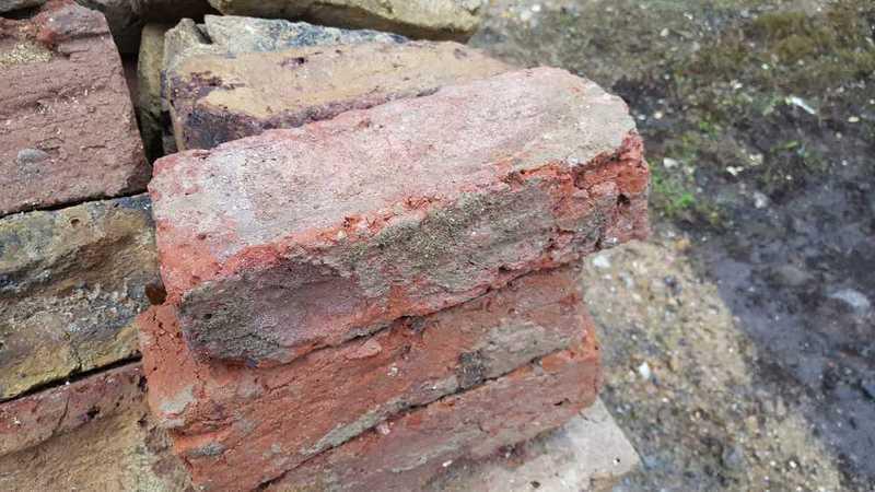 reclaimed london-stock-bricks-62259438.jpg