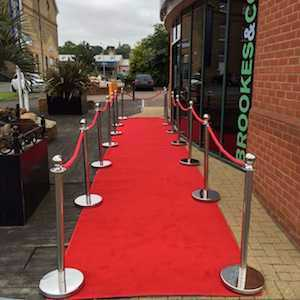 red carpet-with-posts-and-ropes-package-2-00693596.jpg