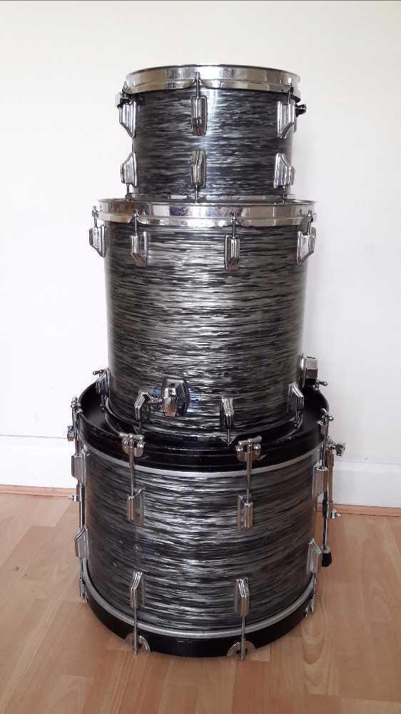 roger late-60-vintage-drum-kit-40149284.jpg