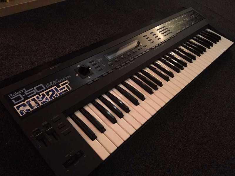 roland d50-synthesizer-19992273.jpg