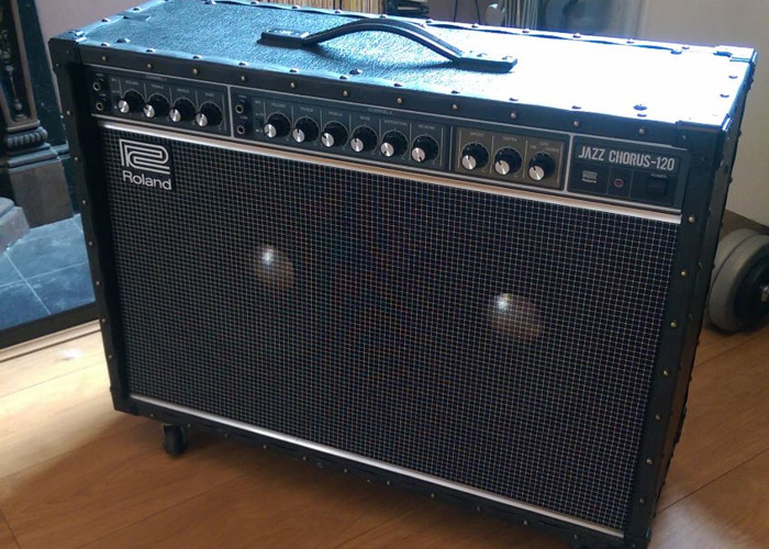 roland jc-120-jazz-chorus-guitar-amplifier--92632793.jpg